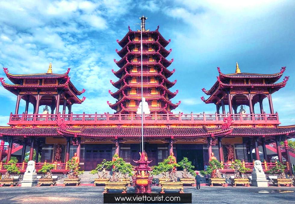 Vãn Cảnh Chùa Thiêng Phật Ngọc Xá Lợi