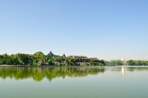 Kandawgyi Royal - Hồ nước tuyệt đẹp giữa thủ đô Myanmar