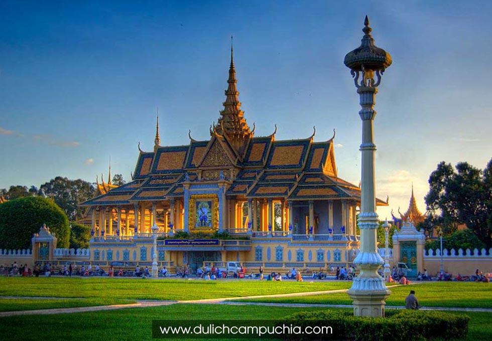 royal-palace-phnom-penh-Cambodia