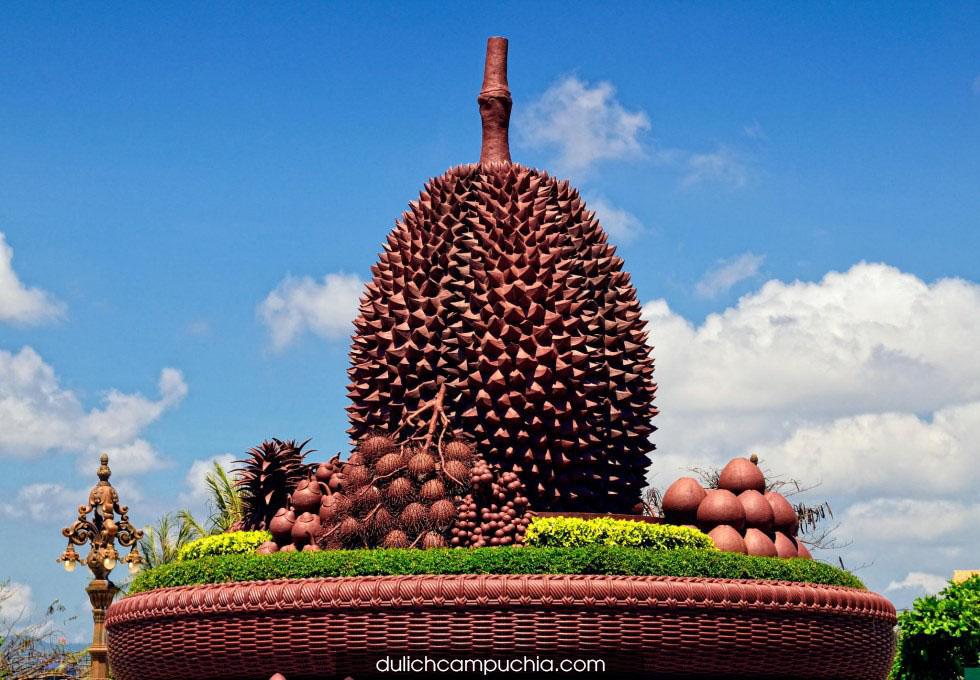 bieu-tuong-qua-sau-rieng-Kampot-campuchia
