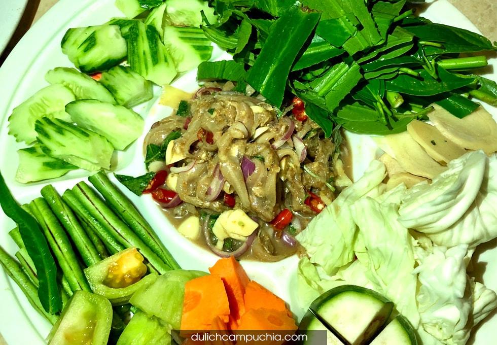 du lịch Campuchia ẩm thực Mondulkiri