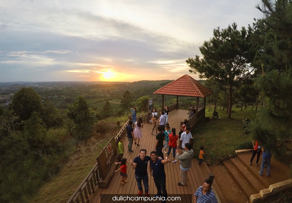 du lịch Mondulkiri núi Phnom Dos Kromom
