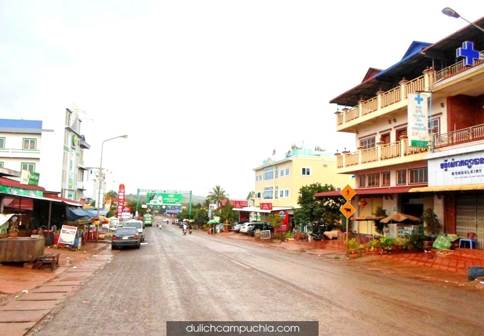du lịch Campuchia chợ địa phương Mondulkiri