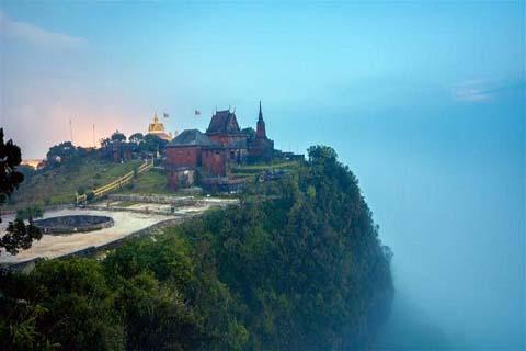 Cao nguyên Bokor - Hoang sơ bồng bềnh trong màn sương