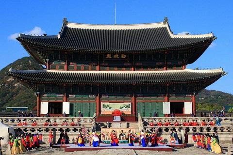 Cung điện Hoàng gia Gyeongbok – Niềm tự hào của Hàn Quốc