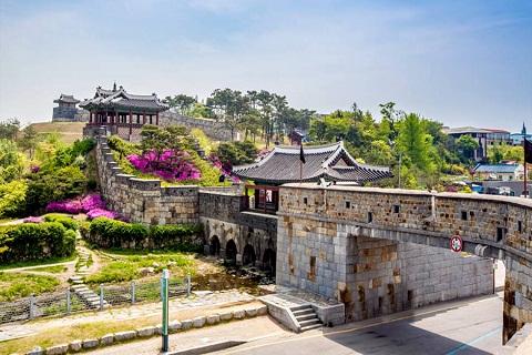 Du lịch Hàn Quốc nhớ ghé thăm Thành cổ Hwaseong