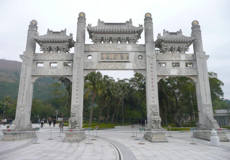 tuong-phat-thich-ca-hongkong-viettourist