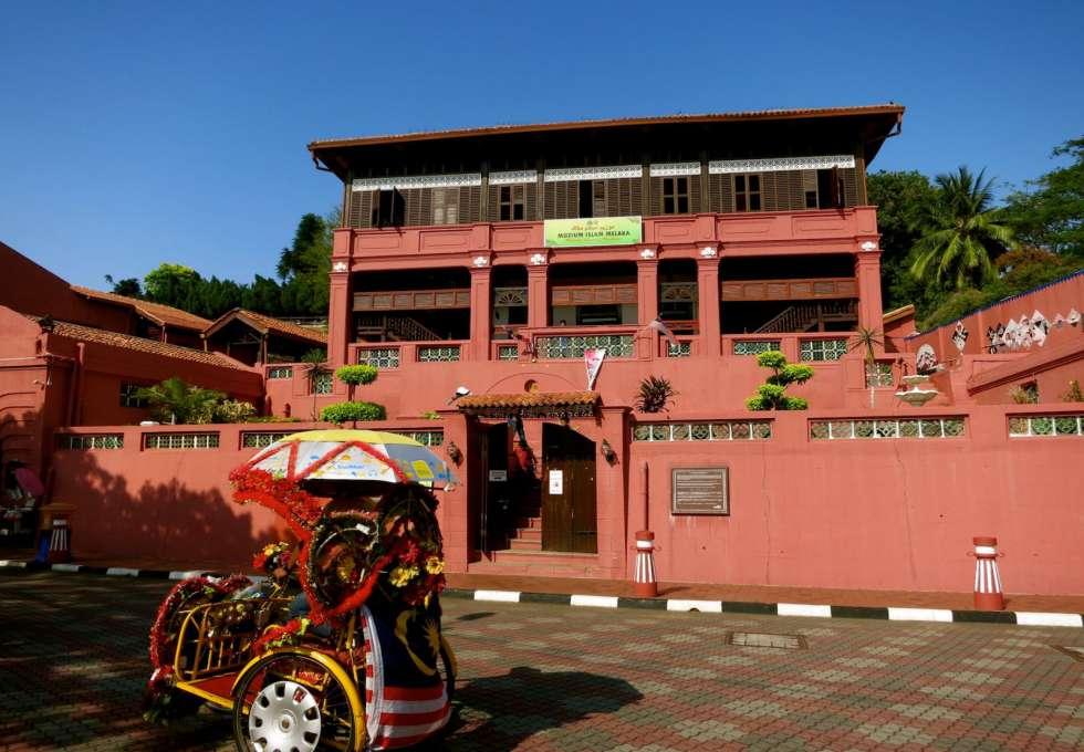 quang-truong-ha-lan-malaysia-viettourist