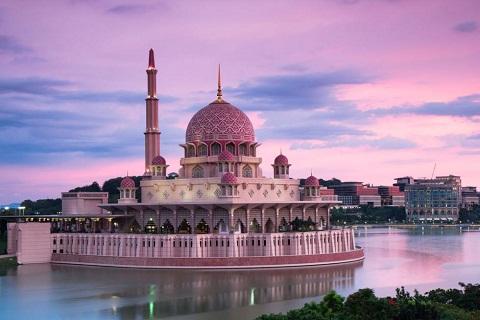Pink Mosque – Thánh đường độc đáo của Malaysia
