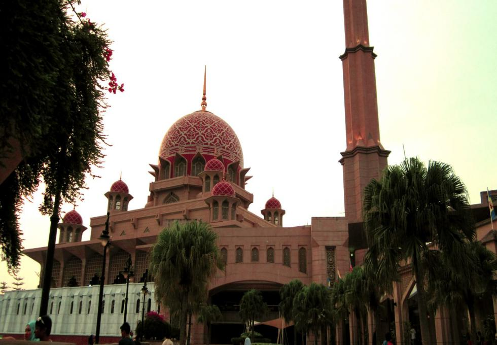 thanh-duong-mau-hong-malaysia-viettourist