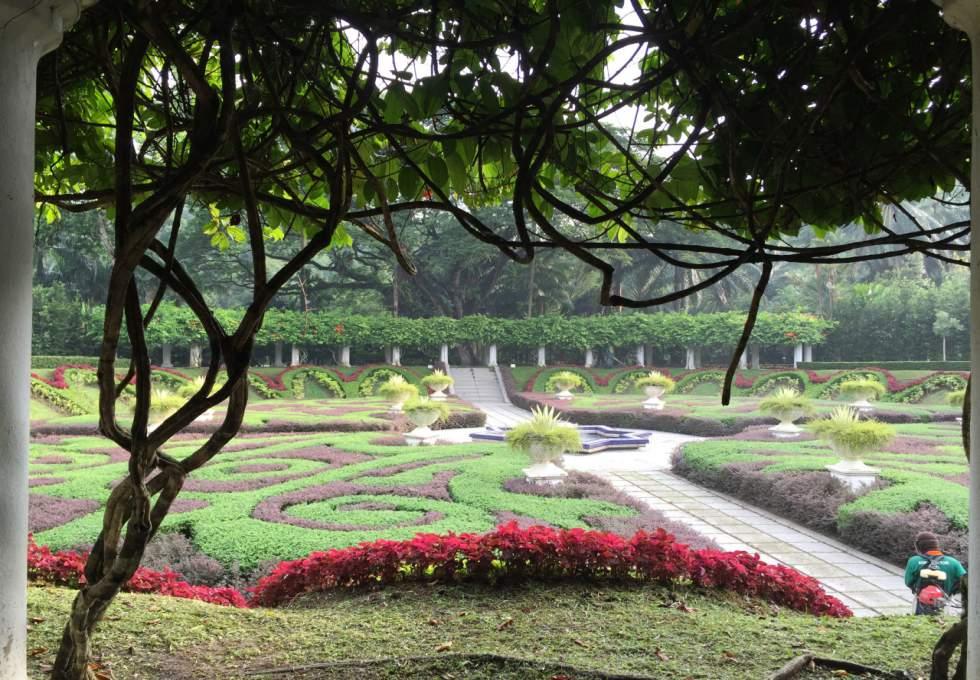 vuon-ho-lake-garden-kuala-lumpur-viettourist
