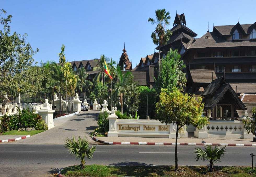 ho-Kandawgyi-Royal-myanmar