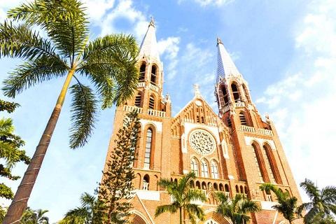 Saint mary's cathedral Myanmar- Nhà thờ cổ điển tại đất nước Phật Giáo
