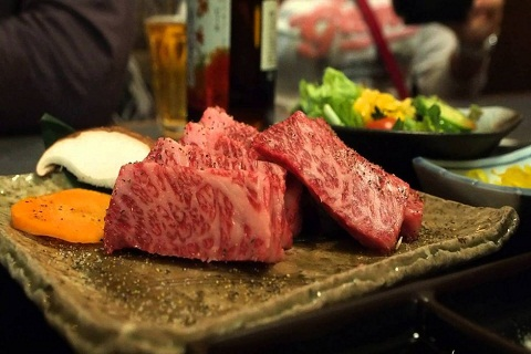 Thịt bò Kobe một trong những món ăn đắt nhất hành tinh