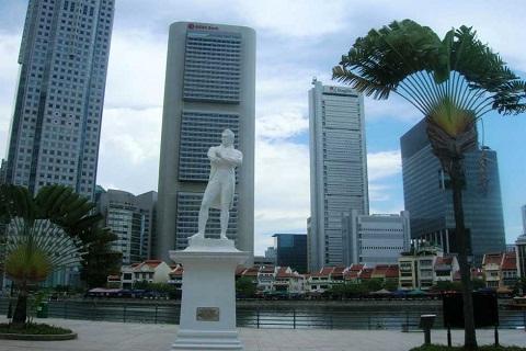 Tượng Ngài Stamford Raffles - Cha đẻ của Singapore hiện đại