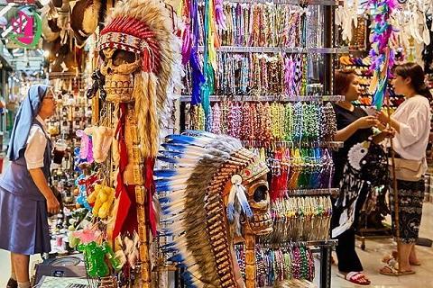 """Du lịch Thái Lan -  Mua sắm """"quên lối về"""" ở chợ Chatuchak"""