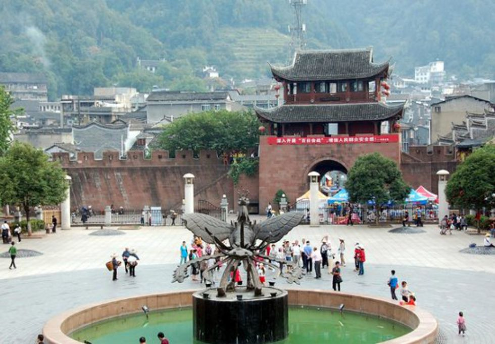 du lịch Trung Quốc Phượng Hoàng cổ trấn