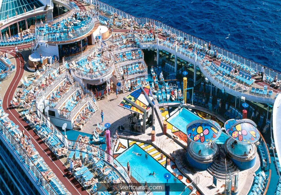 du lịch du thuyền 5 sao