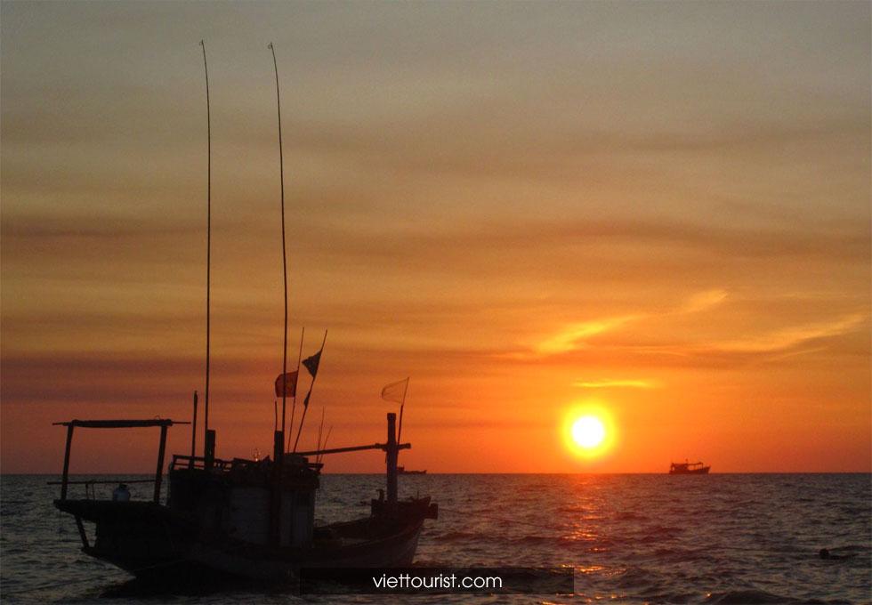 câu mực đêm Phú Quốc