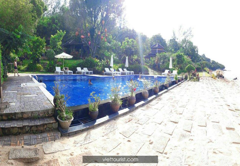 hồ bơi khách sạn Phú Quốc