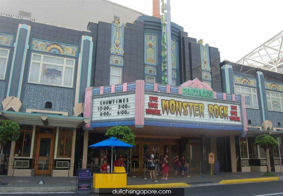 nha-hat-pantages-hollywood-singapore-viettourist