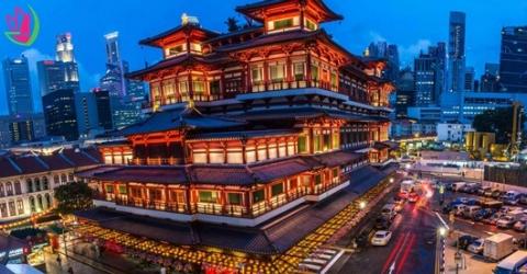 CÙNG TUNG HOÀNH KHU PHỐ CHINATOWN Ở SINGAPORE