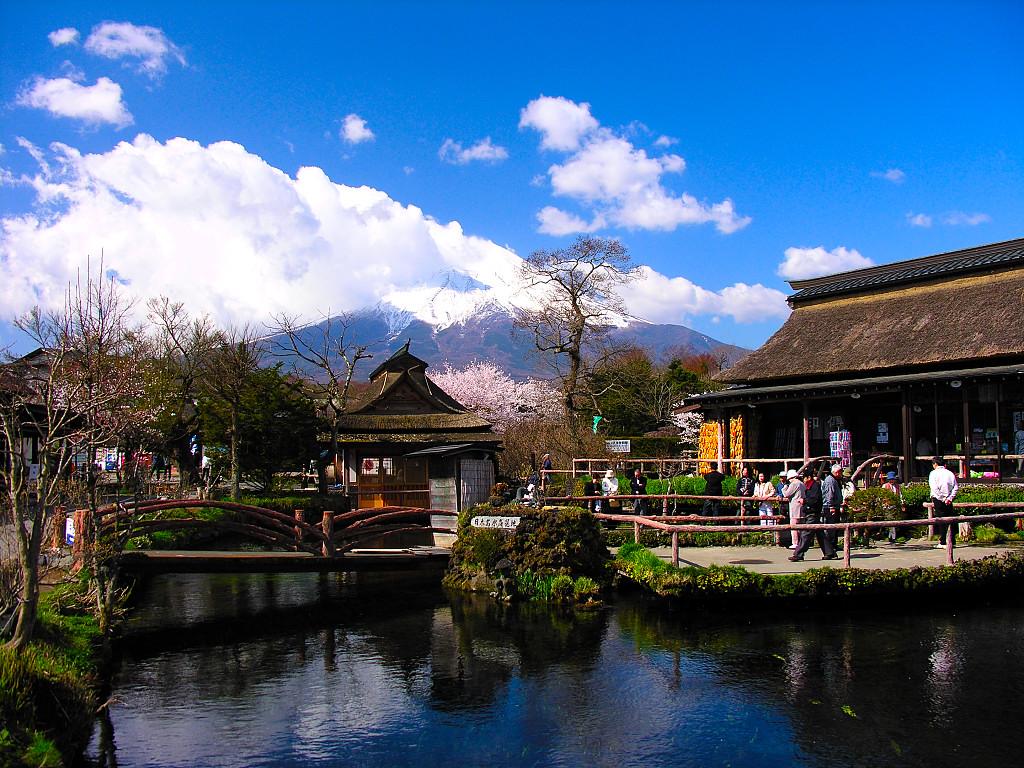 Làng cổ Oshino Hakkai Nhật Bản nơi thời gian ngưng đọng