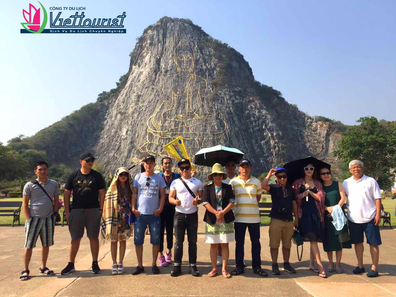 Núi Phật Vàng – Thắng cảnh ấn tượng của Thái Lan