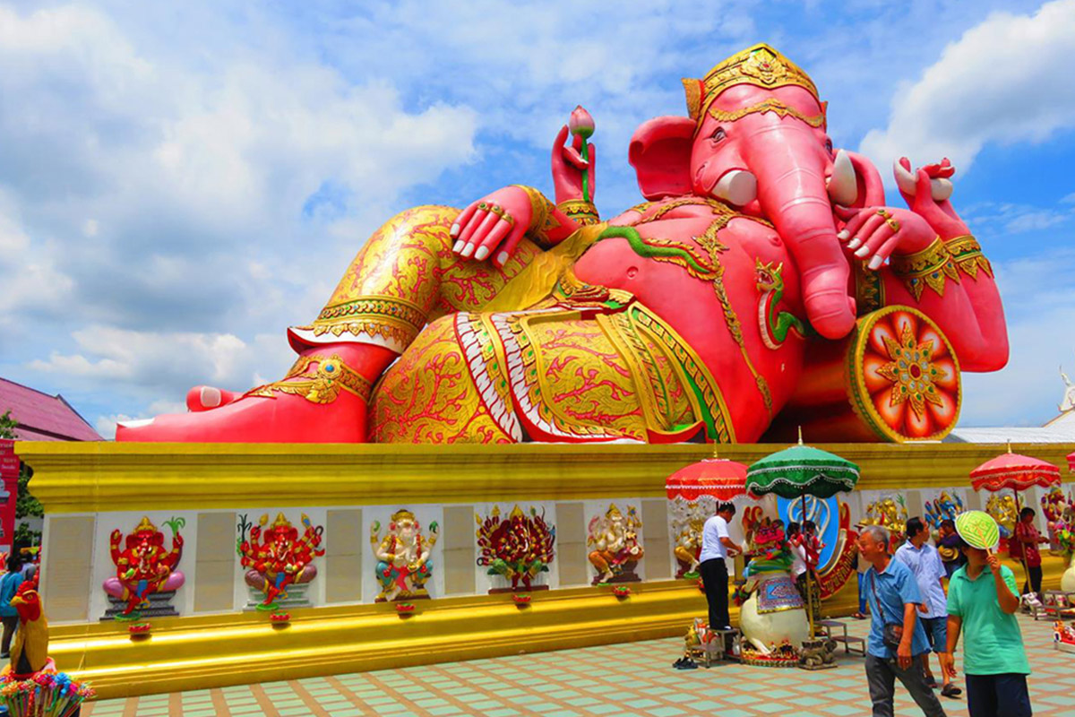 tuong-than-ganesha-pink-elephant-thai-lan